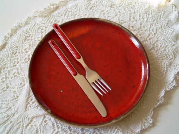 Teller Essteller Speiseteller rote Keramik getöpfert
