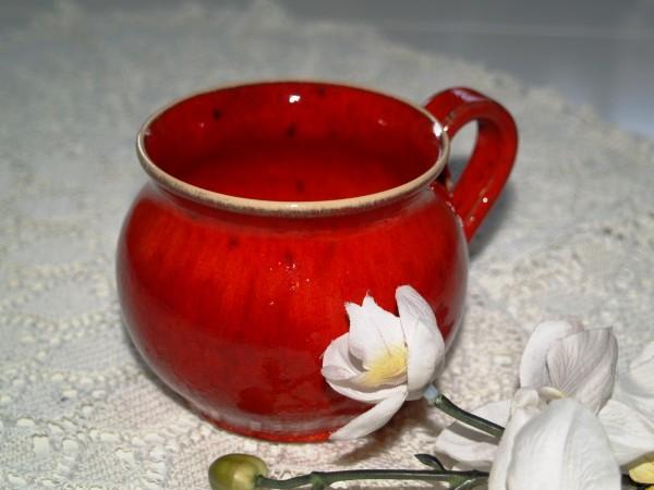 Tasse Kaffeetasse Teetasse getöpfert rot Keramik
