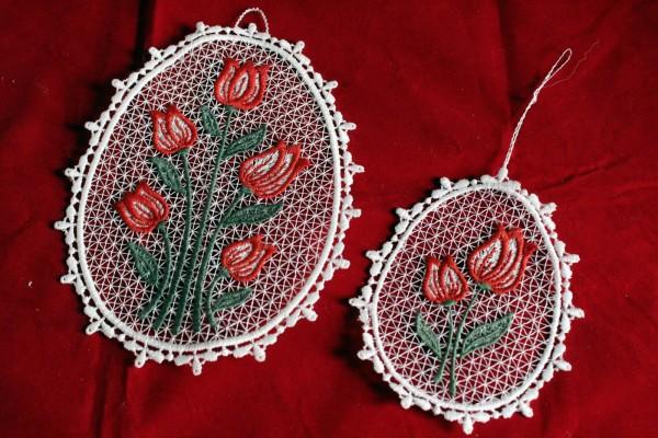 Set Fensterbilder rote Tulpe Spitze bestickt