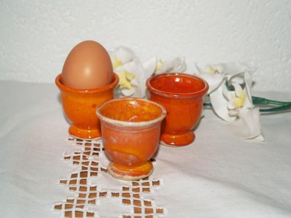 Eierbecher klein orange Keramik getöpfertes Geschirr