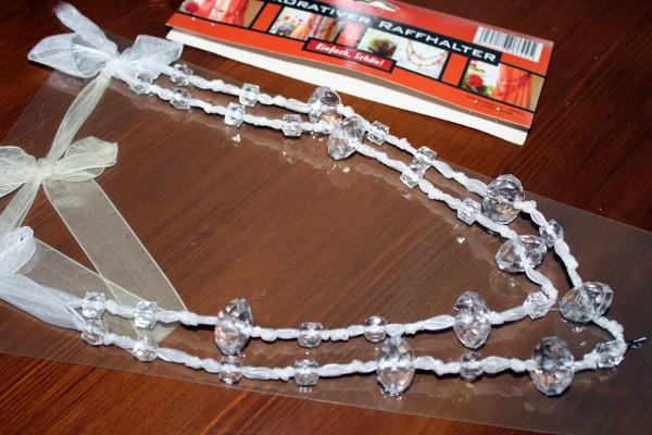 Raffhalter weiß mit transp. Perlen Vorhanghalter Deko