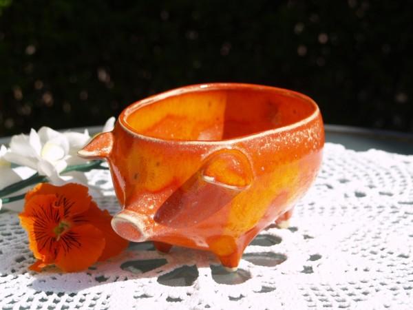 Schwein Keramik orange zum Servieren von Hackfleisch getöpfert