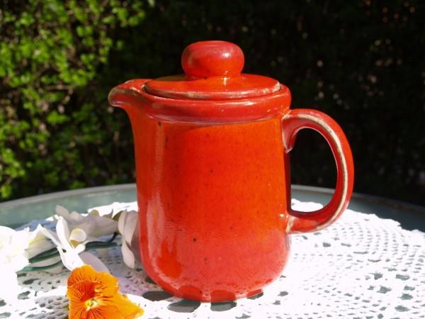 Kaffeekanne Kanne gerade Form rote Keramik
