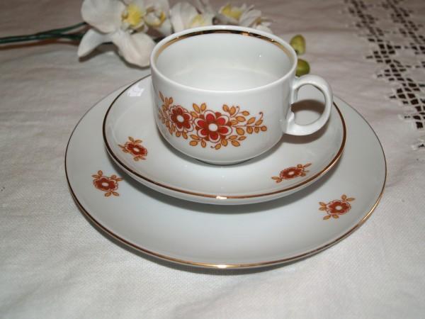 Gedeck Tasse + 2 Teller Sammeltasse 70er Vintage
