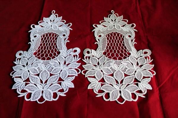 Fensterbild aus Spitze Blütenmotiv weiß oder creme