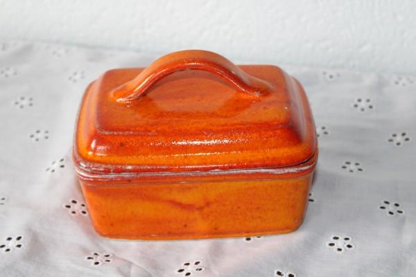Butterdose orange Keramik aus der Töpferei Butterglocke