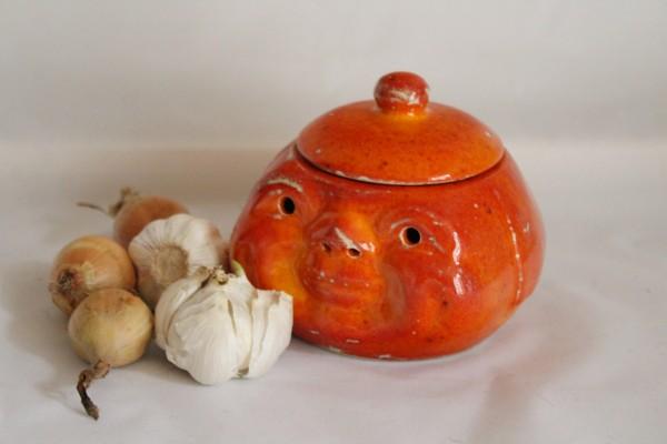 Keramik Knoblauchtopf Zwiebeltopf orange Gesicht