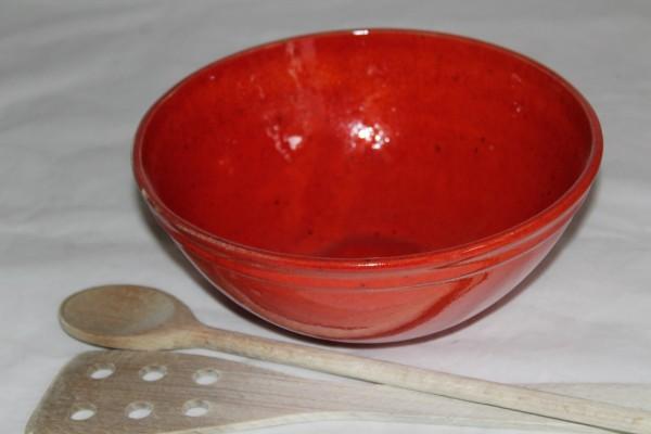 rote Salatschüssel mittlere Schale Schüssel Keramik getöpfert