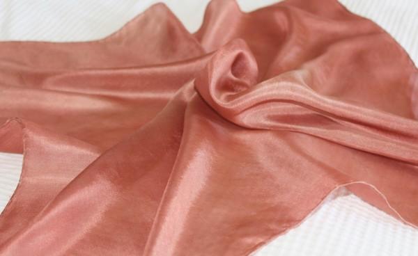 brauner großer Seidenschal oder kleines Tuch aus Seide
