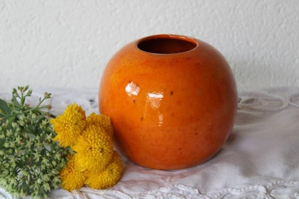 orange Kugelvase Vase aus Keramik getöpfert Handarbeit