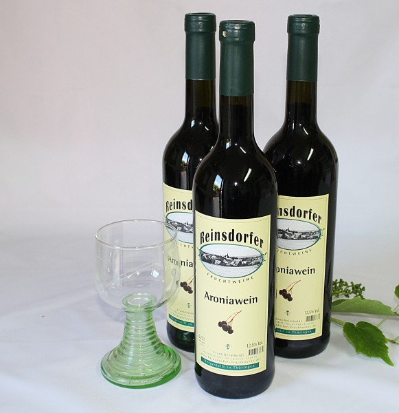 Aronia Wein Fruchtwein hausgemachter Aroniawein