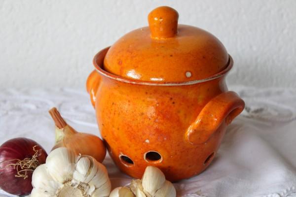 Knoblauchtopf Zwiebeltopf mittelgroß orange Keramik Töpferei