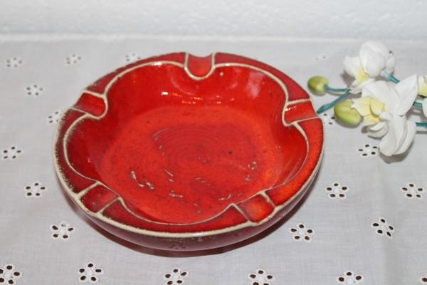 Ascher roter Aschenbecher getöpfert Keramik
