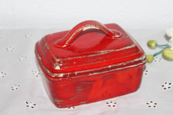 rote Butterdose aus der Töpferei Butterglocke Handarbeit