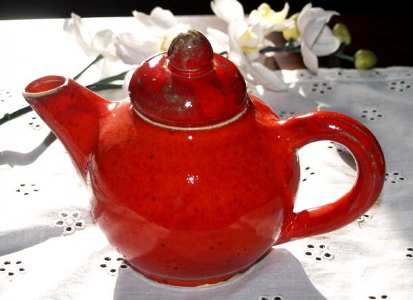 Teekanne kleine rote Keramik Kanne getöpfert